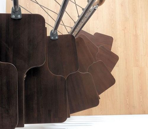 Extra donkere beuken trede - voor de ruimtebesparende multi-inzetbare trap chrome staal