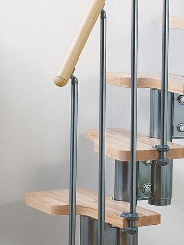 Extra lichte beuken trede - voor de ruimtebesparende multi-inzetbare trap chroom staal pixima met spijlen leuning