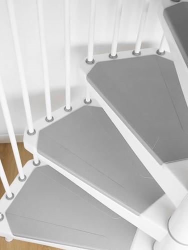 Extra trede voor de metalen wenteltrap met antislip diameter 120 - in RAL9010 (wit)