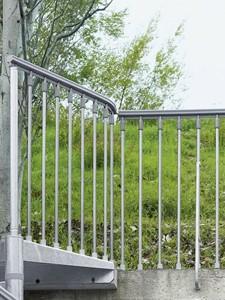 Balustrade voor de metalen wenteltrap met antislip  - voor buitengebruik